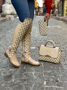 Lv Boots, Cute Shoes Boots, Bootie Boots, Shoe Boots, Shoe Bag, Gucci Handbags Outlet, Fashion Handbags, Fashion Shoes, Lv Sneakers