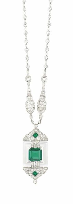 A FINE ART DECO EMERALD ROCK CRYSTAL AND DIAMOND PENDANT NECKLACE, BY CARTIER