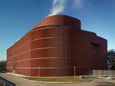 One of the world's largest biomass-fuelled CHP plant has been built in an urban context in Stockholm as an extension of the existing. Industrial Architecture, Green Architecture, Contemporary Architecture, Architecture Design, Biomass Power Plant, Stockholm, Brick Facade, Plant Pictures, Interesting Buildings
