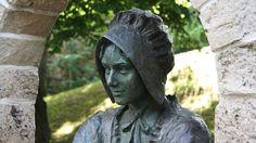 Hessisch Lichtenau : Mrs. Holle statue