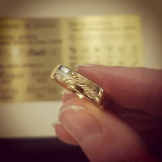 My precious! Kjenner du noen Tolkien-fans? Hva med en ring med gravering på utsiden? #Hobbiten #RingenesHerre #minkosteligste #Tolkien #giftering #forlovelsesring Wedding Rings, Engagement Rings, Instagram Posts, Beauty, Jewelry, Enagement Rings, Jewlery, Bijoux, Commitment Rings
