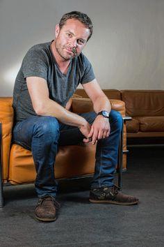 Adriaan Van den Hoof. Acteur en TV-presentator.