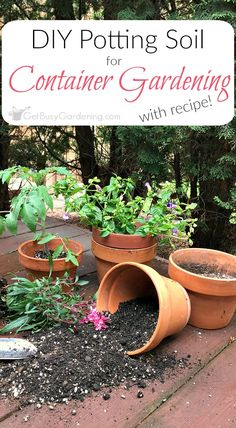It's easy to make your own potting soil for container gardening! This simple four-ingredient recipe is perfect for growing vegetables, herbs and flowers. Creative DIY Container Gardening Projects you might consider for your porch Indoor Vegetable Gardening, Garden Soil, Organic Gardening, Garden Bed, Organic Soil, Organic Plants, Urban Gardening, Terrace Garden, Water Garden