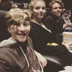 TAKES HIS SIBLINGS TO SEE FINDING DORY. I CANT EVEN RN.