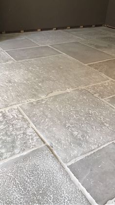 Rural Dreams: Designing A Rustic Farmhouse - Rustic News - - designing dream.Rural Dreams: Designing A Rustic Farmhouse - Rustic News - - designing dreams Farmhouse News rural Menu Stone LampFrom Hall Flooring, Unique Flooring, Kitchen Flooring, Ceramica Exterior, Exterior Tiles, Wood Tile Floors, Wooden Flooring, Wood Floor, Rustic Kitchen
