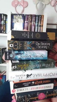 Top Books To Read, Fantasy Books To Read, Books You Should Read, I Love Books, Good Books, Book Nerd, Book Club Books, Book Lists, Book Suggestions