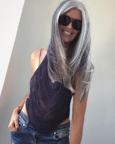 55 shades of grey silver and white highlights for eternal youth 40 Grey Hair Don't Care, Long Gray Hair, Silver Grey Hair, Grey Hair And Glasses, Grey Hair Inspiration, Coiffure Hair, White Highlights, Let Your Hair Down, Ageless Beauty