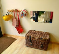 dress up area with storage basket, hooks, and mirror, via Escola de Sant Nicolau a Sant Andreu de Llavaneres Space Classroom, Classroom Design, Classroom Activities, Montessori Room, Montessori Toddler, Toddler Rooms, Toddler Play, Infant Room, Dress Up Area