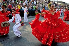 Colombia traditional dance dress