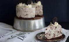 Suussasulava Snickers-juustokakku - tätä on kokeiltava! No Bake Desserts, Vegan Desserts, Baking Recipes, Cake Recipes, Baking Ideas, Thanksgiving Desserts, Something Sweet, Cakes And More, Healthy Treats