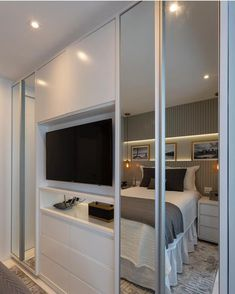 Minimalist Home Interior Modern Bedroom has never been so Outstanding! Since the beginning of the year many girls were looking for our Stunning guide and it is finally got released. Now It Is Time To Take Action! Bedroom Built In Wardrobe, Bedroom Built Ins, Bedroom Closet Design, Home Bedroom, Modern Bedroom, Bedrooms, Interior Design Boards, Interior Design Living Room, Baby Room Closet