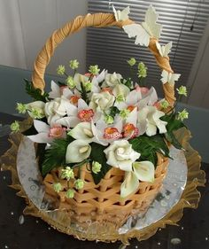 """Торт на юбилей """"Корзина с орхидеями, розами и каллами"""""""