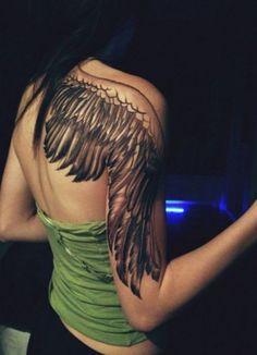 Engel Tattoo für Frauen. Schultertattoo Idee.