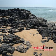 Một góc nhìn từ Ghềnh Đá Đĩa - một trong những địa điểm du lịch đẹp nhất của tỉnh Phú Yên (Việt Nam)  Take a look at Ghềnh Đá Đĩa- one of the most beautiful spots in Phú Yên Province (Việt Nam) #tasteofvietnam #traveling #vietnam #the #most #beautiful #beach#GhenhaceDaDia #PhuYen #province #peaceful