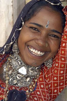 A semi-nomad woman from Rajasthan, India | © Mirjam Letsch. Beautiful.
