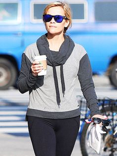 Star Tracks: Tuesday, February 10, 2015   COFFEE TALK   How can we look as cute as Reese Witherspoon does on our Starbucks runs? The Oscar nominee is sporty-chic while getting her caffeine boost on Friday in Brentwood, California.