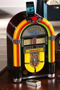 Crosley Retro iJuke Mini Jukebox Premier - Plays your iPod & CD's Played Yourself, My Tea, Decoration, Ipod, Tea Party, Have Fun, Surfing, Entertaining, Beginning Sounds