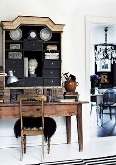 Inside a Gorgeously Layered High-Contrast Home via @domainehome