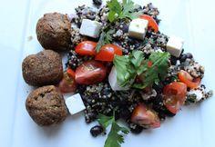 Quinoa salade met falafel