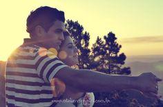 Um dos ensaios mais apaixonados que já fizemos... Noivos lindos que nos esperam para o grande dia em maio/2015. O Ensaio foi sob o céu azul de Joanópolis/SP, num dia abençoado por Deus!!! Pri & Luiz, desejamos muito Amor para vocês!  Fotografia: Alexandra Dadalto #ensaiodecasal #ensaiofotgraficodecasal #fotodecasal #prewedding #savethedate