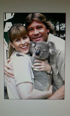 Steve & Terri Irwin with a Koala Bear. Terri Irwin, Steve Irwin, Reptile Park, Irwin Family, Crocodile Hunter, Bindi Irwin, Visit Australia, Famous Couples, I Miss Him