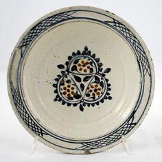 DISH  Late 18th century h.: 6 cm d.(base): 6.8 cm d.(rim): 24.7 cm