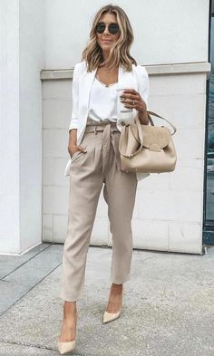 50 Best Summer Work Outfits That Right For The Office # # is coming! The ideal thing about summers is that you could wear bright and happy colours. Not sure what to wear to work? No need to worry, I have rounded up the best summer work outfit for you. Stylish Work Outfits, Casual Work Outfits, Curvy Outfits, Mode Outfits, Work Casual, Outfit Work, Woman Outfits, Fashion Outfits, Young Work Outfit