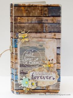 Layers of ink - Seaside Journal Tutorial by Anna-Karin. The book was made with the Journal die by Eileen Hull and Sizzix, and with papers by Prima Marketing.