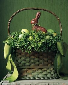 gorgeous : easter basket/centerpiece (Colorful Easter Baskets - Martha Stewart Holiday)