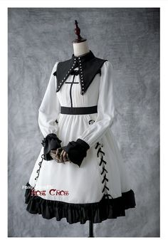 One piece lolita dresses are refered as OP for lolita lovers, and they refer to dresses with short or long sleeves. There are sweet lolita one piece dress, and other styles. Pretty Outfits, Pretty Dresses, Stylish Outfits, Beautiful Outfits, Cute Outfits, Emo Outfits, Harajuku Fashion, Kawaii Fashion, Cute Fashion