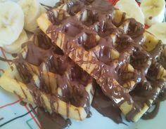 Συνταγή για πανεύκολες σπιτικές βάφλες - Mama's Stories Chocolate Sweets, Love Chocolate, Sweet Recipes, Food And Drink, Pie, Cooking, Breakfast, Desserts, Waffles