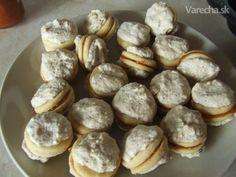 Snehové loptičky Cookies, Desserts, Food, Basket, Crack Crackers, Tailgate Desserts, Biscuits, Meal, Cookie Recipes