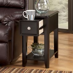 Signature Design by Ashley T007 527 Chairside End Table