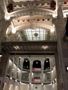 Interior del Palacio de Comunicaciones, Madrid.