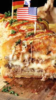 Deep-Fried Cheeseburgers ~ Recipe How do you make a cheeseburger better? By battering it up and tossing it in the fryer. Burger Recipes, Beef Recipes, Cooking Recipes, Deep Fried Cheeseburger Recipe, Deep Fried Burger, Deep Fryer Recipes, Good Food, Yummy Food, Fast Food