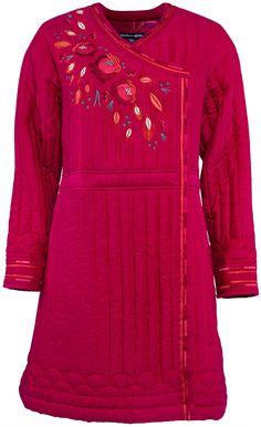 Gudrun Sjödéns Frühjahrskollektion 2015 - Der Mantel Li-Wei ist ein aufwendig gearbeiteter Mantel mit gequiltetem Muster.