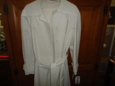 Vintage NOS NWT Ladies White Raincoat. Belted. Button Down. Size 12 #Colleen #Raincoat