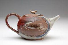 Penicuik teapot by Jane Kelly Penicuik Pottery Scotland one of the Scottish Potters Valleyfield House High Street Penicuik EH26 8HS 01968 677854   photograph by Paul Adair paul.adair@virgin.net 07906 485048