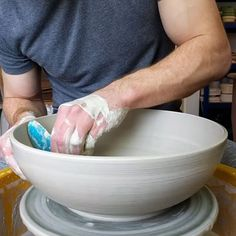 Throwing 2 large fruit bowls in pure white clays. The first is in semi-porcelain the second in Smooth Birch White stoneware. Maybe it's just because I use them so infrequently but I find them so much harder to control than my usual Production Thrower stoneware. The porcelain in particular just behaves so strangely.  Still I'm pleased with the forms. Now I just have to remember to be very gentle in the drying process and hopefully at least one of them will survive   #pottery #clay…