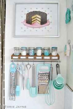 Kitchen Organization colors of kitchen supplies Baking Storage, Baking Organization, Kitchen Storage, Home Organization, Cake Storage, Kitchen Display, Corner Storage, Organization Station, Organizing Ideas