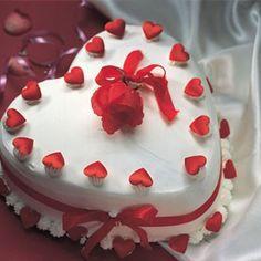 1.5kg Heart Shape Vanilla Cake