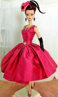 Barbie Dolls : Pretty Satin Evening frock for Silkstone BArbie Vintage Barbie Kleidung, Vintage Barbie Clothes, Sewing Barbie Clothes, Barbie Patterns, Doll Clothes Patterns, Beautiful Dolls, Beautiful Dresses, Manequin, Barbie Dress