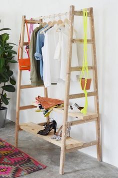 cool interior design ideas wooden ladder in living room Diy Clothes Hacks, Diy Clothes Videos, Wooden Ladder, Ladder Decor, Simple Furniture, Diy Furniture, Diy Clothes Hanger Storage, Diy Clothes Alterations, Diy Summer Clothes