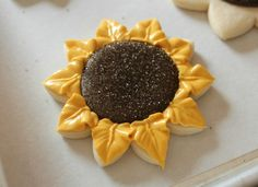 Decorated Sunflower Cookies