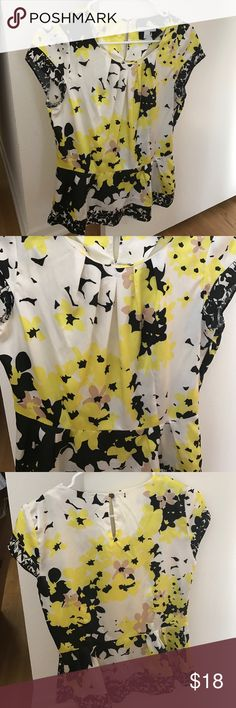 New York & Company Shirt Beautiful New York & Company Top worn twice at most. Fantastic color scheme, print and style. Size small (4-6). New York & Company Tops Blouses