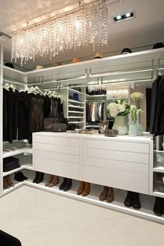 HOW TO ORGANISE YOUR CLOSET - Organiser sa penderie - Luxurious glamour closet - Penderie glamour et luxueuse
