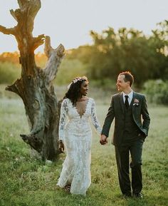 I have no self control and yall are gonna be subjected to way too many pics. Im so (not) sorry. #wedding #rusticwedding #bohowedding #austin #texas #blackbride #munaluchibride #sunset #davidsbridal | Shared via davidsbridal.com