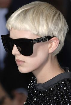 Agyness Deyn - Lanvin - S/S 2007 #sunglasses #hair