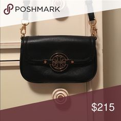 TORY BURCH CROSSBODY NEVER USED Black and gold in perfect condition Tory Burch Other