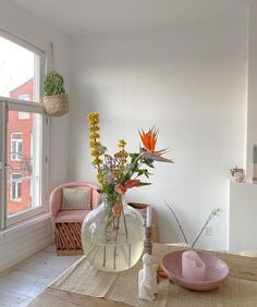 Decoration Ikea, Table Decorations, Entryway Decor, Aesthetic Room Decor, Room Ideas Bedroom, Zen Bedroom Decor, Dream Rooms, My New Room, House Rooms